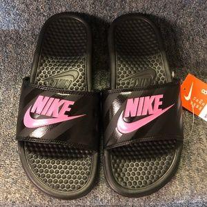 Nike Women's Benassi JDI Sandals- Black/Pink- NIB!